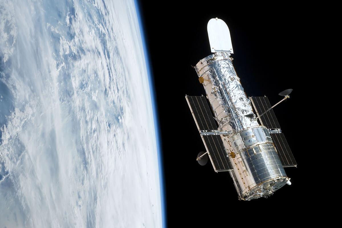 Luft-und-Raumfahrt_Satellit